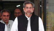 पाकिस्तान: पूर्व प्रधानमंत्री से पूछताछ के दौरान अफसरों ने की मारपीट, फेंककर मारा गिलास