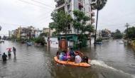 बिहार और यूपी में बाढ़ से हाहाकार, कई जिलों में ऑरेंज अलर्ट, सड़कों पर चली नाव