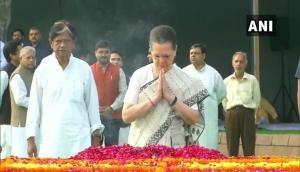 Sonia Gandhi, Manmohan Singh pay homage to Lal Bahadur Shastri at Vijay Ghat