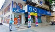 दिवाली से पहले SBI ने करोड़ो ग्राहकों को दिया बड़ा झटका, बचत खातों पर चलाई कैंची