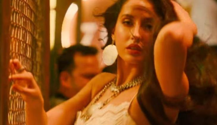 Marjaavaan Song Ek Toh Kum Zindagani Nora Fatehi Burns Dance Floor With Her Sizzling Performance On 80 S Iconic Track Catch News