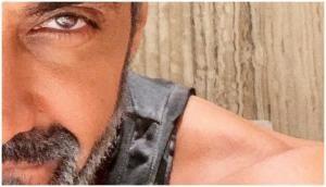 Beyhadh 2: Ashish Chowdhry aka Mritunjay Roy looks charming in salt and pepper look