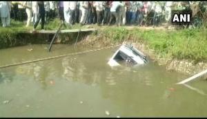 मध्य प्रदेश में बड़ा हादसा, तालाब में गिरा स्कूल वैन, चार बच्चों की दर्दनाक मौत