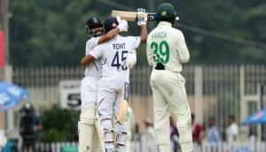 रोहित शर्मा ने छक्के से शतक मार बना दिया वर्ल्ड रिकॉर्ड, दुनिया का कोई बल्लेबाज नहीं कर पाया ऐसा