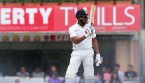 IND vs SA: धोनी के घर पर बरसा रोहित शर्मा का बल्ला, छक्का मारकर लगाया तूफानी शतक