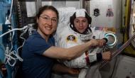 नासा की महिला अंतरिक्ष यात्रियों ने की स्पेस में अकेले चहलकदमी, रचा इतिहास