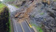 उत्तराखंड: भूस्खलन की चपेट में आए तीन वाहन, 8 लोगों की मौत, दो लापता