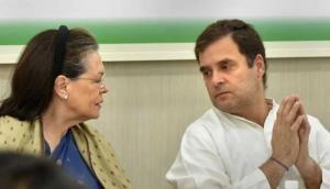 कांग्रेस के दिग्गज प्रवक्ता ने सावरकर की तारीफ में जो कहा, उसे सुनकर भड़क सकता हैं पार्टी आलाकमान