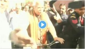 Haryana Assembly Elections 2019: CM Manohar Lal Khattar rides cycle to cast his vote at Karnal
