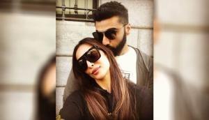 Malaika Arora Birthday: Boyfriend Arjun Kapoor says it all with kiss and perfect selfie