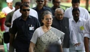 Sonia Gandhi meets D K Shivakumar in Tihar jail, assures him of all support