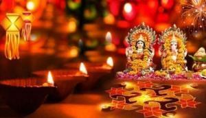 ऐसे करें दिवाली पर मां लक्ष्मी की पूजा, पूरे साल नहीं होगी धन की कमी