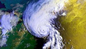 अभी भी तबाही मचा सकता है चक्रवाती तूफान क्यार, इस दिन तक होगा कमजोर
