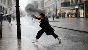 चक्रवाती तूफान ने फिर बदला मौसम का मिजाज, यहां हो सकती है भारी बारिश