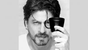 शाहरुख खान ने एक बार फिर बढ़ाया मदद को हाथ, सरकार को दी हजारों PPE किट