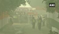 जानलेवा स्तर पर पहुंचा एयर क्वालिटी इंडेक्स, प्रदूषण मापक मशीनें भी फेल, सरकार ने बुलाई आपात बैठक