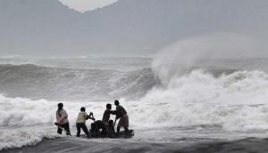 अरब सागर से उठे खतरनाक चक्रवाती तूफान 'महा' से इन राज्यों में हो सकती है भारी बारिश से तबाही