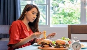 Heavy eating after 6 pm linked to heart diseases in women: Study