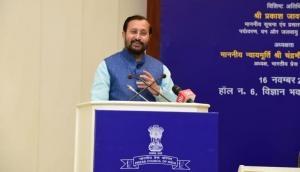 Press should discuss ways to curb fake news, says Prakash Javadekar