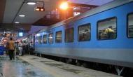 कोरोना वायरस से बचने के लिए रेलवे का बड़ा ऐलान, प्लेटफॉर्म में घुसने के लिए देना होगा 50 रुपये
