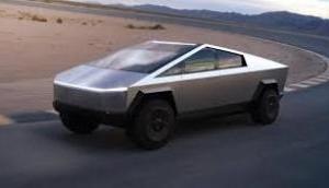 मस्क ने लॉन्च किया इलेक्ट्रिक साइबर ट्रक, जैम्स बॉन्ड की फिल्म से है प्रेरित