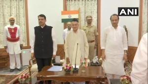 महाराष्ट्र में सबसे बड़ा उलटफेर, फिर CM बने देवेंद्र फडणवीस, सोती रह गई शिवसेना