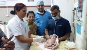मध्यप्रदेश में महिला ने दिया 2 सिर, 2 पैर, 3 हाथ और 4 पंजे वाले बच्चे को जन्म