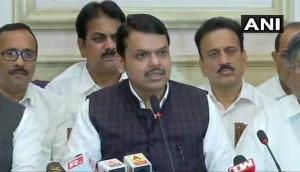 महाराष्ट्र: देवेंद्र फडणवीस ने मुख्यमंत्री पद से दिया इस्तीफा, बोले- अब हमारे पास बहुमत नहीं