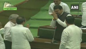 Maharashtra: Uddhav Thackeray first taunts Devendra Fadnavis, then calls him 'responsible leader'