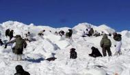 जम्मू-कश्मीर में जवानों पर टूटा सर्दी का कहर, बर्फ में दबे आठ जवान, एक शहीद 2 लापता