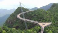 दुनिया के इन सबसे खतरनाक ब्रिज पर गुजरते समय लोगों की निकल जाती है चीख
