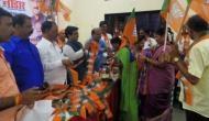 महाराष्ट्र: शिवसेना को लगा बड़ा झटका, 400 से ज्यादा नेता BJP में हुए शामिल