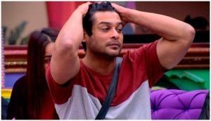 Bigg boss 13: घर में सिद्धार्थ शुक्ला के रिहैब सेंटर में रहने का हुआ जिक्र, रश्मि देसाई- हिंदुस्तानी भाऊ ने की खुसुर-पुसुर