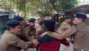 Video: Lawyers attempt to thrash rape accused inside court premises