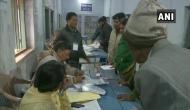 झारखंड विधानसभा चुनाव: दूसरे चरण का मतदान जारी, 20 विधानसभा सीटों पर हो रही है वोटिंग