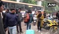 हिंसा की आशंका के चलते 5 जनवरी तक AMU बंद, डर से जामिया छोड़कर जा रही छात्राएं