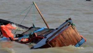 Maharashtra: One dead, five rescued as boat capsizes off Vasai beach