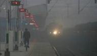 Weather Update: ठंड और कोहरे ने ढाया कहर, दिल्ली आने वाली 26 ट्रेनें पांच घंटे तक लेट
