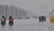 दिल्ली और आसपास के इलाकों में हल्की बारिश के बाद बढ़ी ठंड, उत्तराखंड में भारी बर्फबारी की संभावना