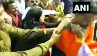 Video: CAA के समर्थन में प्रोटेस्ट कर रहे थे BJP नेता, मध्य प्रदेश की कलेक्टर ने जड़ा थप्पड़