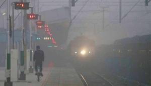 सफर करने से पहले जान लें स्टेटस, कोहरे के चलते रेलवे ने कैंसिल की 500 से ज्यादा ट्रेनें