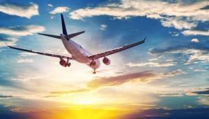 हवाई सफर करने वालों को अप्रैल से लगेगा झटका, महंगा होगा विमान का टिकट