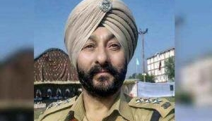 Suspended DSP Davinder Singh's phone reveals that he was a womanizer and greedy man