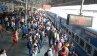 Coronavirus: भारतीय रेलवे ने लोगों से कहा- रद्द कर दें अपनी यात्रा, आप हो सकते हैं संक्रमित
