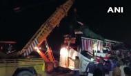 फिरोजाबाद के पास आगरा-लखनऊ एक्सप्रेस वे पर भीषण हादसा, बस-ट्रक की भिडंत में 13 लोगों की मौत