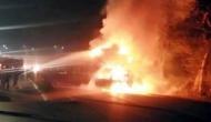 लखनऊ एक्सप्रेस-वे पर ट्रक से टकराकर वैन में लगी आग, 7 लोगों की दर्दनाक मौत