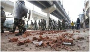 Video: दिल्ली हिंसा पर BJP सरकार के दिग्गज मंत्री ने जो बयान दिया उसे सुनकर शर्म महसूस करेंगे आप