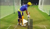 Video: धोनी ने IPL से पहले आगे निकलकर मारा ऐसा छक्का, देखकर इस तरह चिल्लाने लगे दर्शक