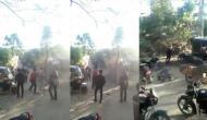 जब अचानक भीड़ की ओर दौड़ने लगा शेर, वीडियो में देखें फिर हुआ क्या