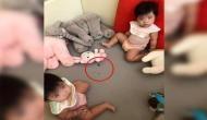 घर में शांत होकर बैठी थी बेटियां, जब मां पहुंची देखने तो खा रहीं थी कॉकरोज